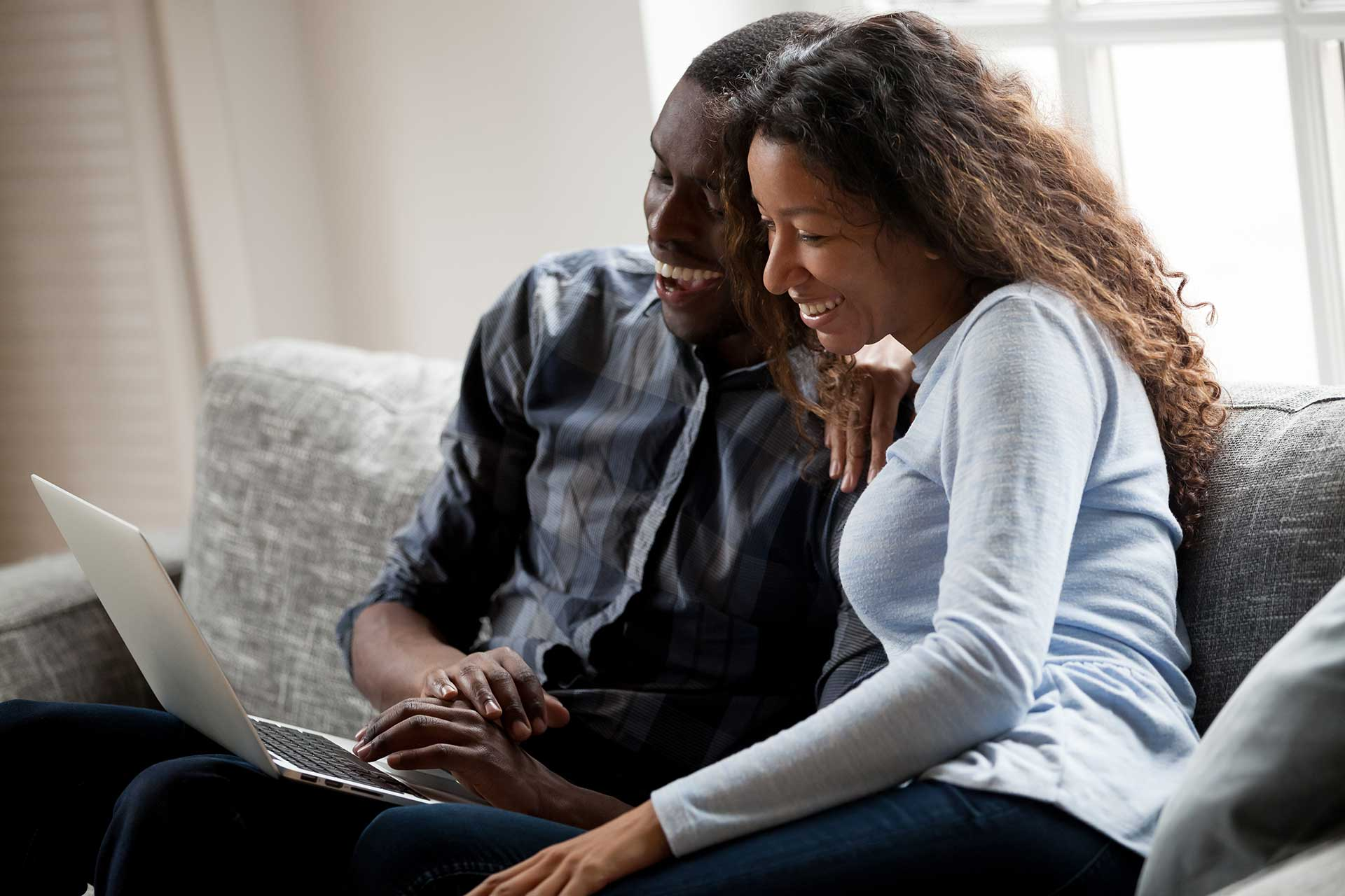 couple using online banking